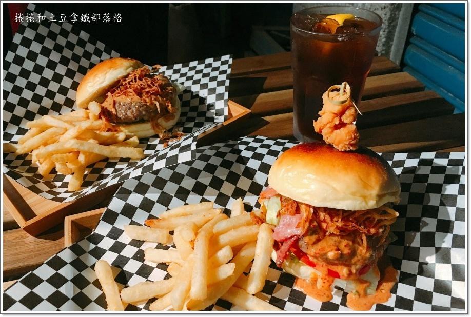 怪獸漢堡11.JPG