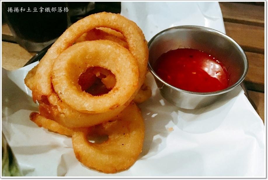 怪獸漢堡16.JPG
