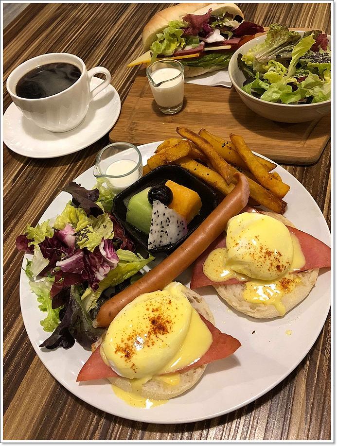 藍幕早午餐 (2).jpg
