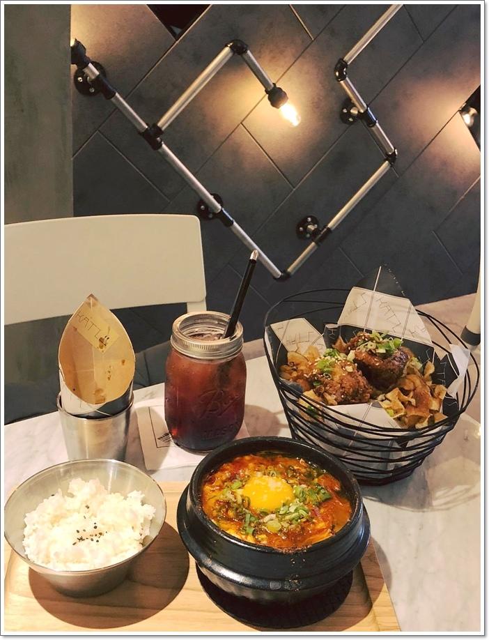 卡司複合式餐廳 高雄文化中心店 (16)