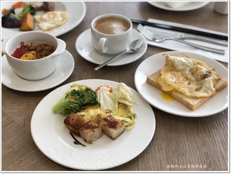 澎澄飯店早餐