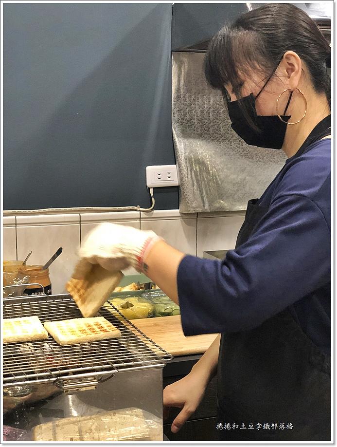奇奇碳烤三明治-9.JPG