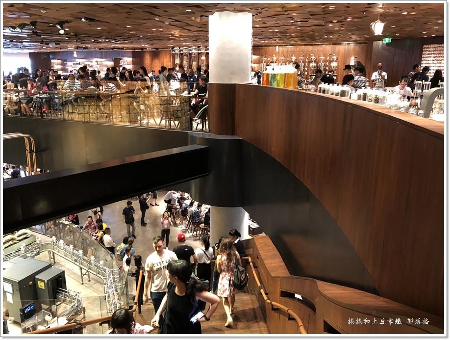 上海星巴克旗艦店10.JPG