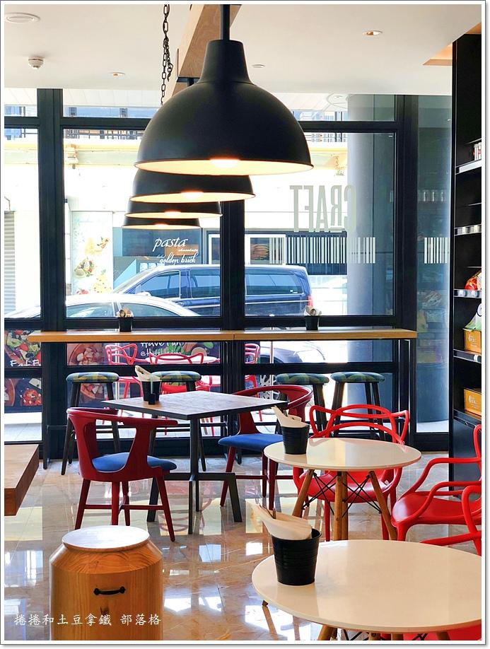 英迪格一樓咖啡廳07.JPG