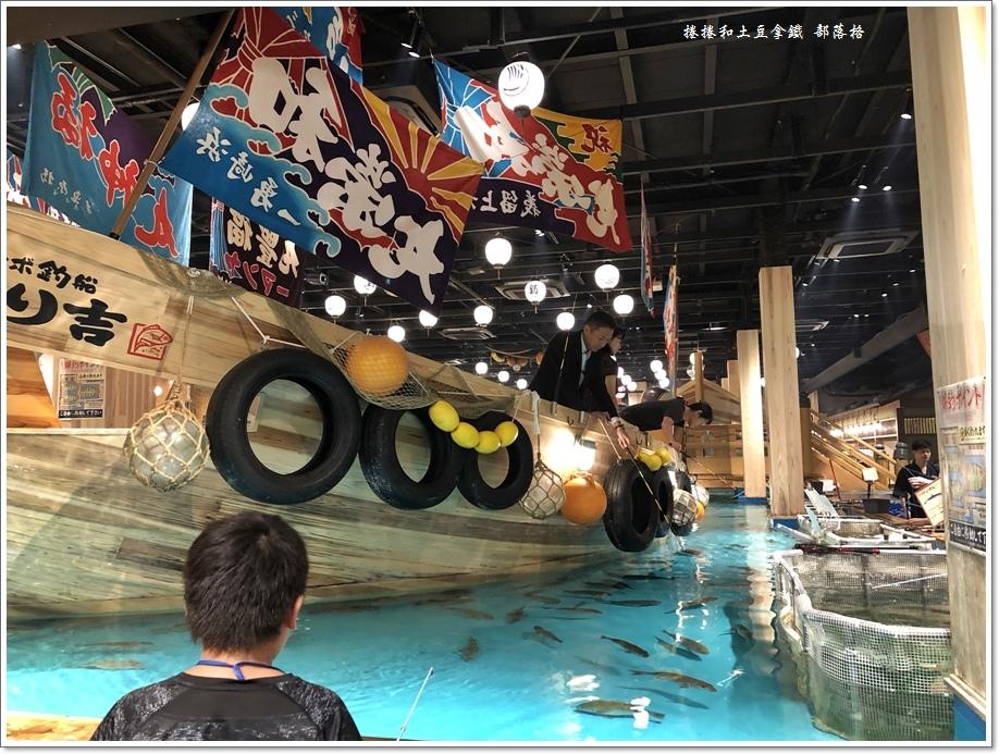 新世界通天閣23.JPG