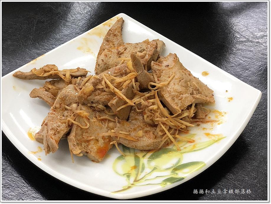 金東北酸菜白肉鍋-9