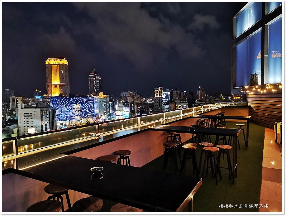 高雄英迪格酒店高空酒吧-5.jpg