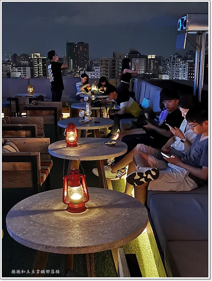 高雄英迪格酒店高空酒吧-6.jpg