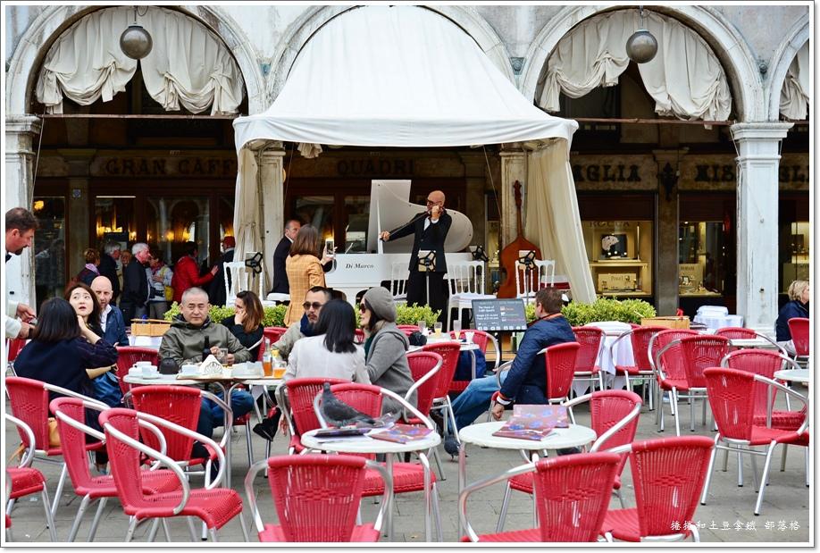 聖馬可廣場咖啡店18.JPG