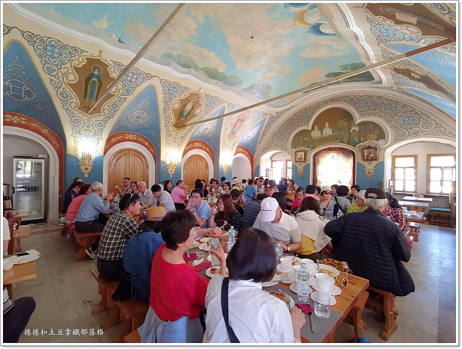 聖三一修道院午餐