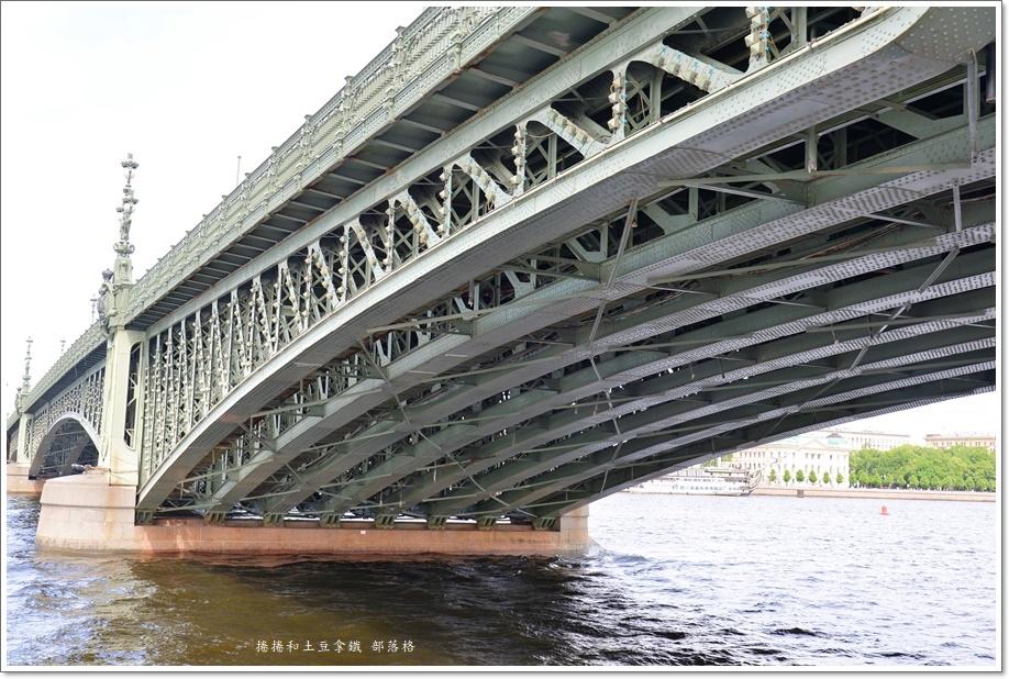 涅瓦河遊船午餐14.JPG