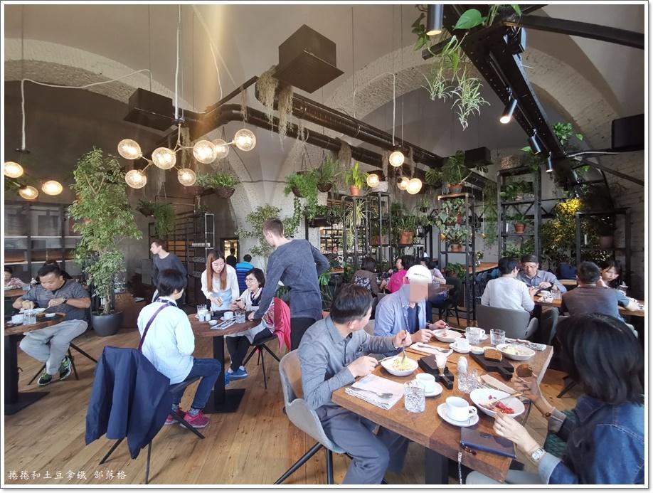 晚餐牛排工業風餐廳01.jpg