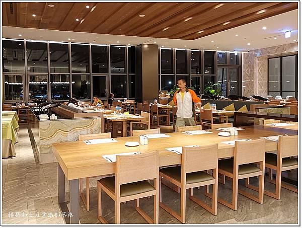 金湖飯店晚餐-2.jpg