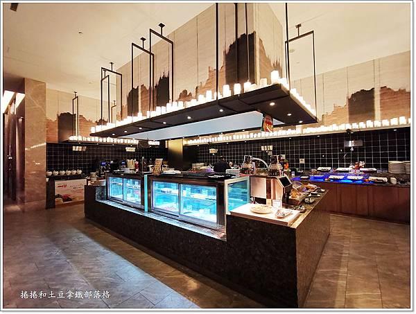金湖飯店晚餐-1.jpg