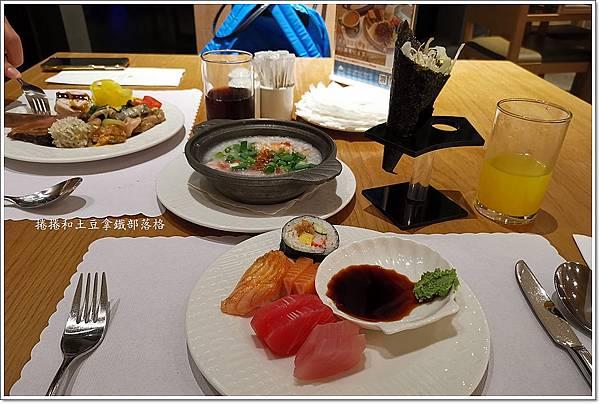 金湖飯店晚餐-6.jpg