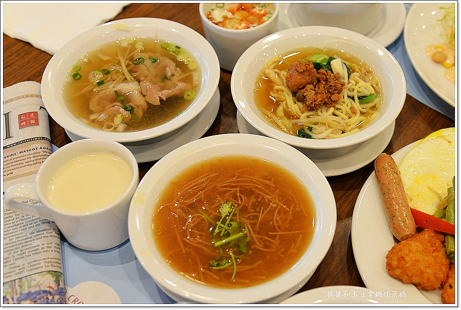 台南皇冠假日酒店早餐-4.JPG