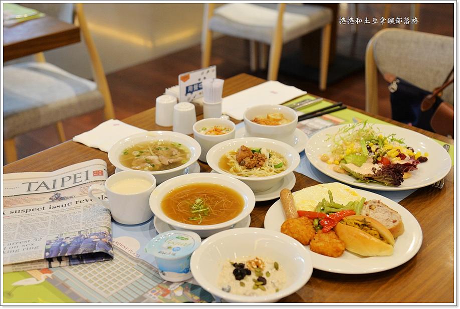 台南皇冠假日酒店早餐-3.JPG