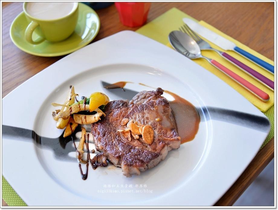 英迪格2F餐廳03.JPG