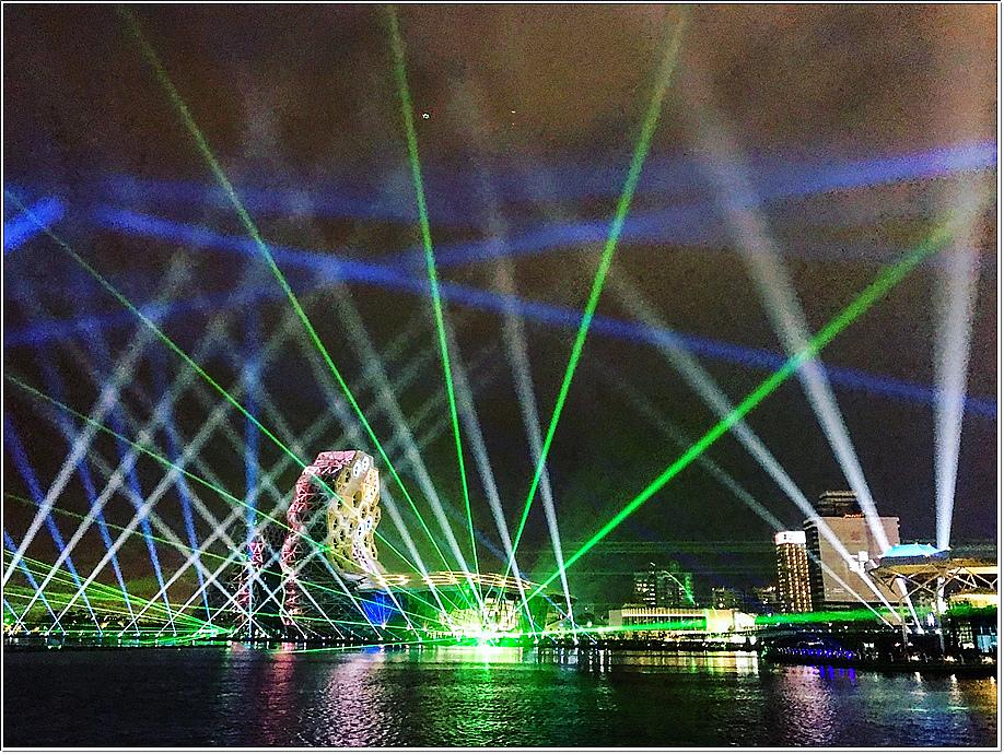 跨百光年燈光秀-光榮碼頭視角_201226_1.jpg