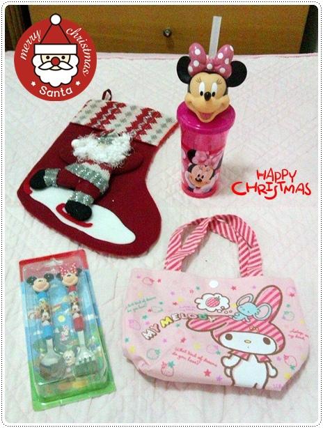 耶誕襪我提供,禮物是姐姐去香港買的
