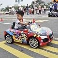 這個弟弟根本車神!!! 駕駛技術好的我都佩服!!! 長大不得了