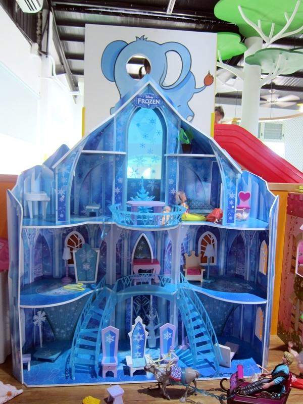 冰雪奇緣娃娃屋