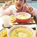 午餐跟晚餐一模一樣,小雞蛋超愛吃壽賀喜屋