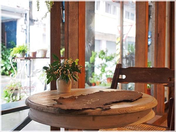 半寓咖啡/空間_美琪乾洗商店