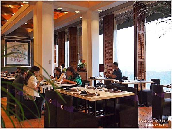 高雄打卡景觀餐廳_融中式。新作