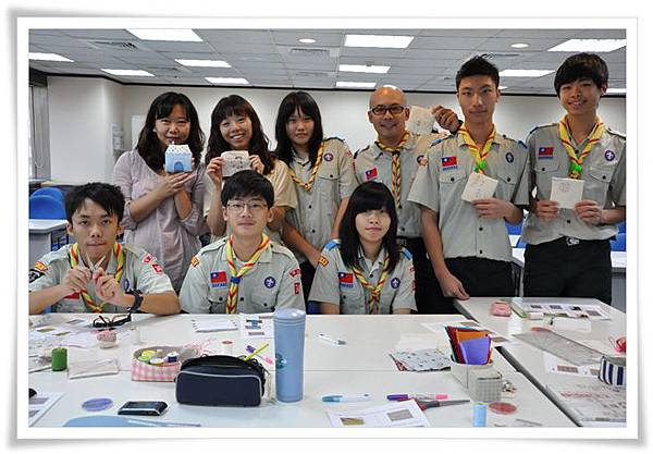 20111106_童軍團手縫課_10.JPG