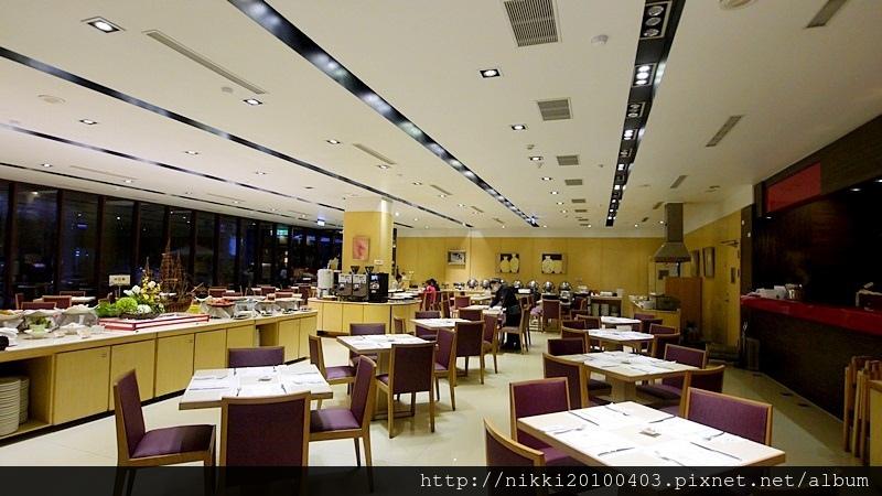 冠翔世紀溫泉會館朝日餐廳 (2).JPG