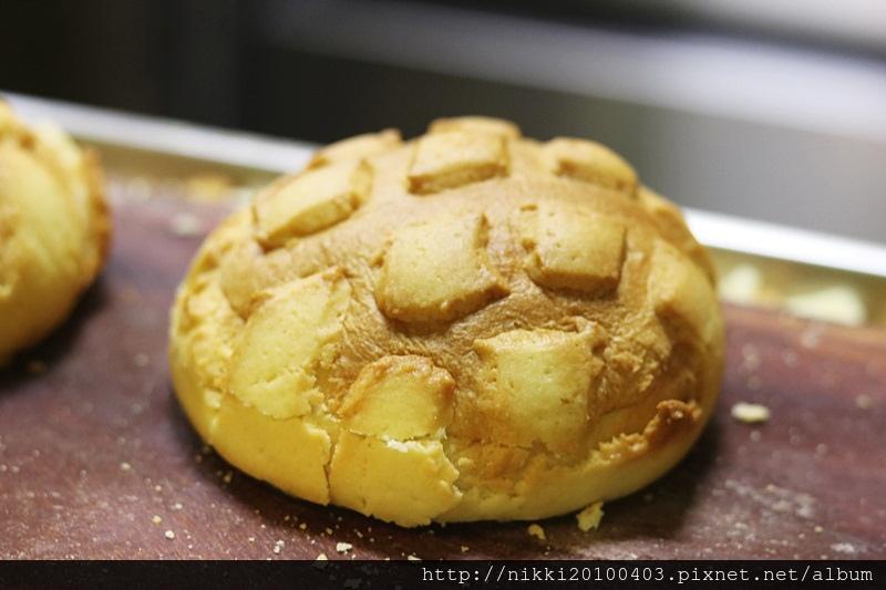世界第二好吃的現烤冰淇淋菠蘿麵包台北信義店 (9).JPG