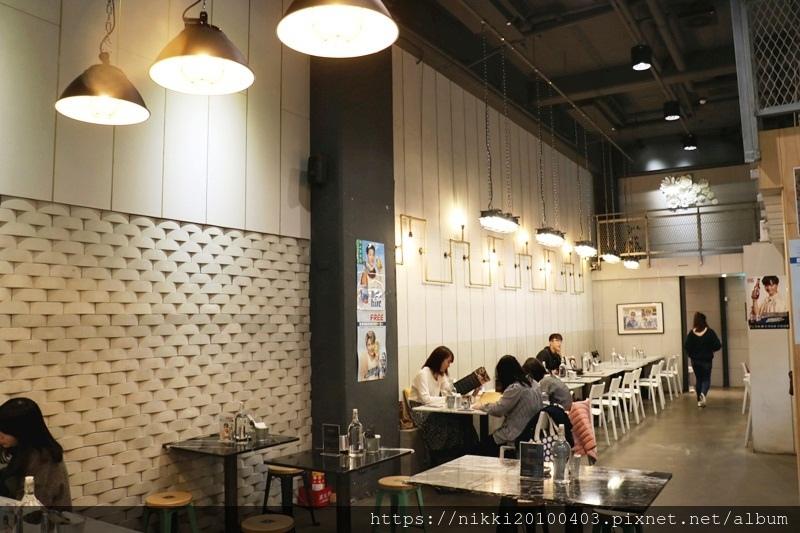 KATZ 卡司複合式餐廳 (6).JPG