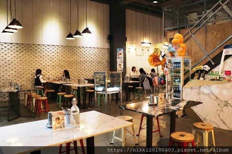 KATZ 卡司複合式餐廳 (9).JPG