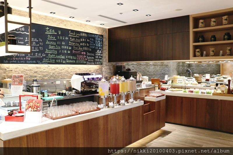 MJ Kitchen (3).JPG