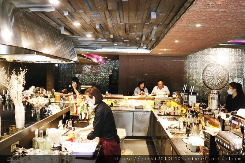 333 restaurant %26; bar (9).JPG