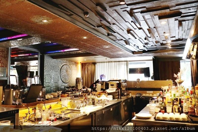 333 restaurant %26; bar (27).JPG