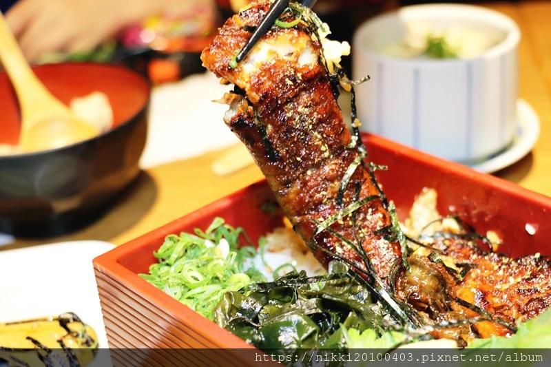 坐著做海鮮丼飯專門店 (60).JPG