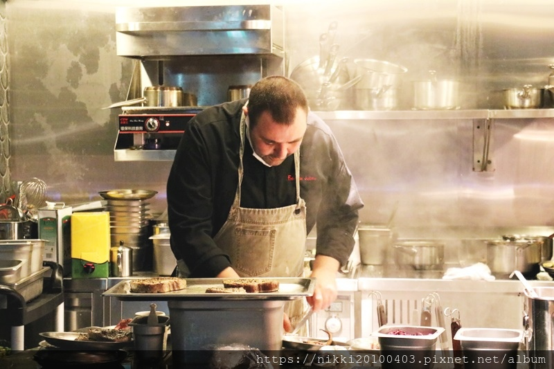 T.R Bar %26; Kitchen (64).JPG