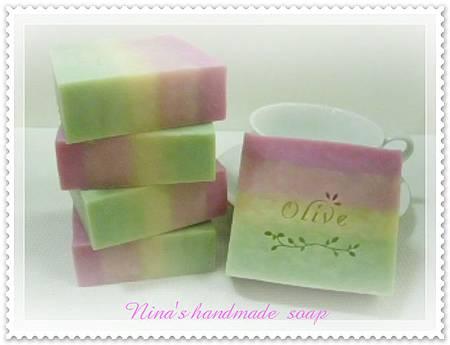 Nina's 豆漿分層皂 (1).JPG