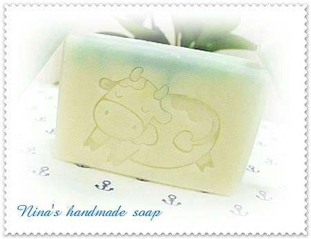 Nina's 薄荷白玉皂(1).JPG
