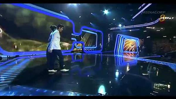 20140427 Star20140427 Awards 20  Show 2 最受歡迎十大男藝人獎 (胡宇威 陳庭妮 頒獎片段) - 10Youtube.com_2014428143129