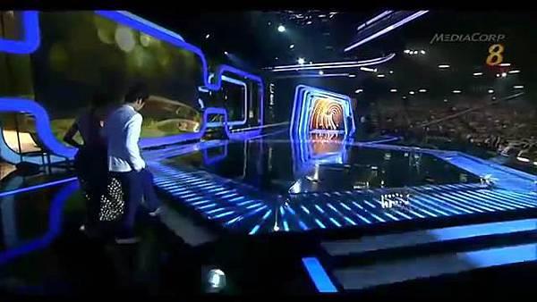 20140427 Star20140427 Awards 20  Show 2 最受歡迎十大男藝人獎 (胡宇威 陳庭妮 頒獎片段) - 10Youtube.com_2014428143125
