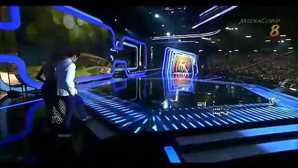 20140427 Star20140427 Awards 20  Show 2 最受歡迎十大男藝人獎 (胡宇威 陳庭妮 頒獎片段) - 10Youtube.com_2014428143411