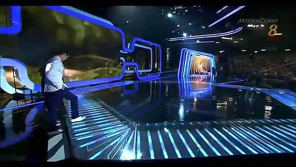 20140427 Star20140427 Awards 20  Show 2 最受歡迎十大男藝人獎 (胡宇威 陳庭妮 頒獎片段) - 10Youtube.com_2014428143412