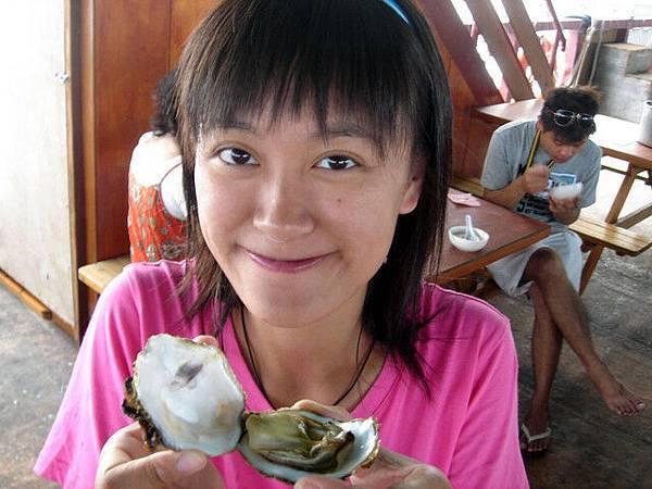 新鮮炭烤牡蠣