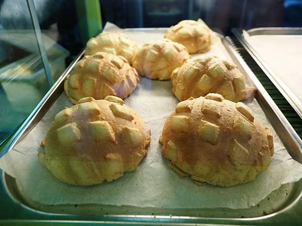 世界第二好吃的現烤冰淇淋菠蘿麵包7.jpg
