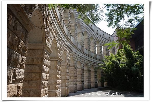 亞洲大學阿勃勒荷花12.jpg