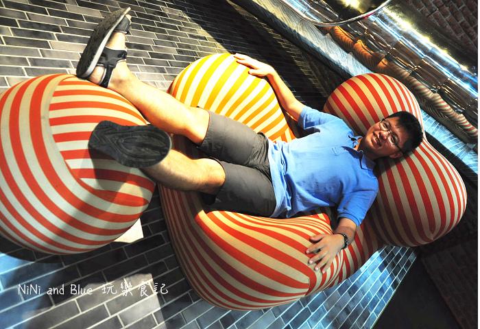 1408351806 3801440213 - 【台中住宿】紅點文旅-27公尺不鏽鋼地表最潮溜滑梯旅店,小孩子的最愛城市新樂園