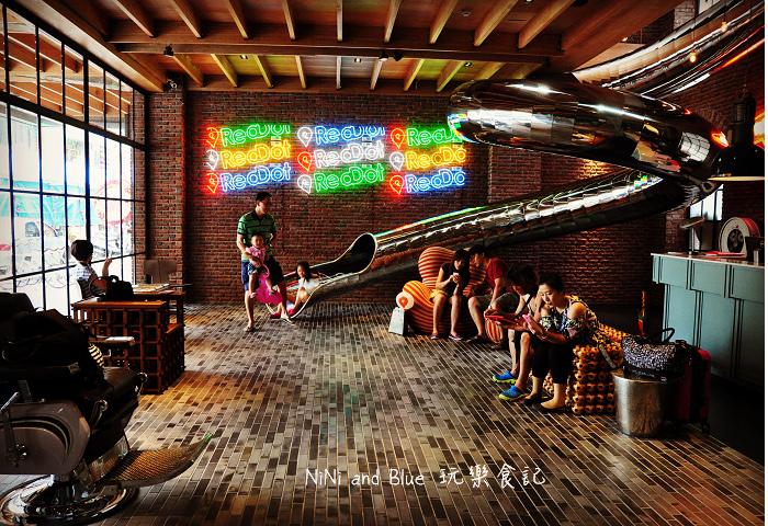 1408351838 3841105075 - 【台中住宿】紅點文旅-27公尺不鏽鋼地表最潮溜滑梯旅店,小孩子的最愛城市新樂園